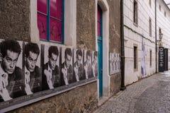 Manifesti per il museo di Egon Schiele in Krumlov, repubblica Ceca Fotografie Stock Libere da Diritti
