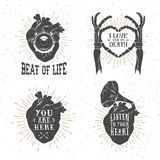 Manifesti romantici con cuore umano, mani di scheletro, grammofono uff Fotografie Stock
