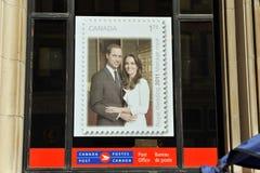 Manifesto del bollo nella finestra dell'ufficio postale del Canada Fotografia Stock
