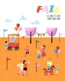 Manifesto della fiera di divertimento di estate, insegna, opuscolo Caratteri del parco di divertimenti con la gente del fumetto L Fotografia Stock Libera da Diritti