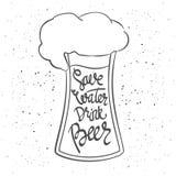 Manifesto di Beerfest con il ` scritto a mano della birra della bevanda dell'acqua di risparmi del ` di citazione Fotografia Stock