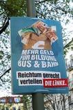 Manifesto di campagna elettorale del dado Linke, partito politico tedesco fotografia stock libera da diritti