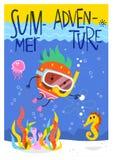 Manifesto di estate con la fragola nell'immersione subacquea della maschera della presa d'aria all'oceano Fotografie Stock Libere da Diritti