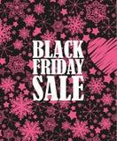Manifesto di vendita di Black Friday nella retro progettazione con gli showflakes rosa Fotografie Stock Libere da Diritti