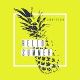 Manifesto moderno alla moda con l'ananas, ciao estate Frutta tropicale su fondo giallo royalty illustrazione gratis