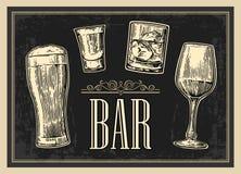 Manifesto o insegna ANTIVARI Metta la birra di vetro, il whiskey, il vino, tequila Immagini Stock