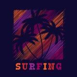 Manifesto praticante il surfing di tipografia Progettazione di modo della maglietta Fotografie Stock