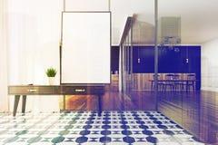 Manifesto a quadretti e tavola del salone del pavimento Fotografia Stock