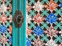 Maniglia d'annata della porta floreale coreana del modello immagini stock libere da diritti