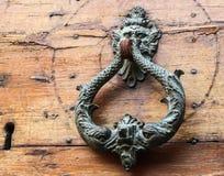Maniglia della porta antica di rame Fotografie Stock Libere da Diritti
