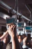 Maniglie del corrimano del bus dell'aeroporto fotografia stock