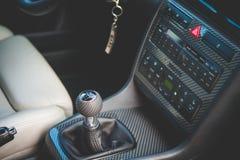 Manija y carlinga del cambio de marcha de Audi S4 Imagen de archivo libre de regalías