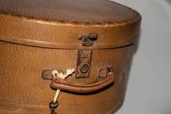 Manija y cerradura del bolso retro viejo del viaje imágenes de archivo libres de regalías