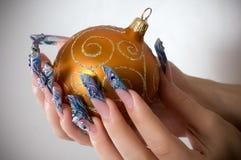 Maniküre der Finger der Hände Lizenzfreies Stockfoto