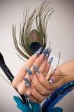 Maniküre der Finger der Hände stockfoto