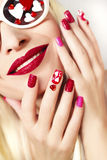 Maniküre und Make-up mit Herzen lizenzfreie stockfotos