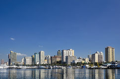 Manila-Bucht-Skyline auf klaren Sunny Day Lizenzfreies Stockfoto
