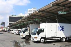 MANILA - 17 DE MAYO: Nombres de la estación de autobúses de destinos el 17 de mayo, 2 Imágenes de archivo libres de regalías