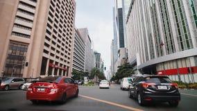 MANILA, FILIPINAS - 5 DE ENERO DE 2018: Rascacielos en Manila Tiroteo en el movimiento Distrito de Makati en Manila filipinas almacen de video