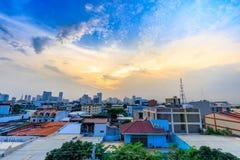 Manila horisont på Augusti 12, 2017 i Filippinerna Arkivfoto