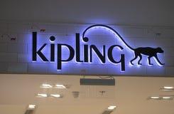 Manila, o 22 de março de 2018 - marca de Kipling na entrada da loja na alameda da manutenção programada do shopping de Ásia Etiqu Imagem de Stock