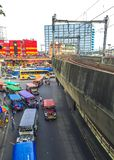 Manila, Philippinen - 19. Juli 2015: Taft-Alleen-EDSAschnitt in Pasay stockfotografie