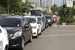 Manila, Philippinen - 1. Juni 2016: Autos gehaftet im Verkehr in Manila lizenzfreies stockfoto