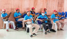 MANILLE, PHILIPPINES - 20 FÉVRIER 2016 : Groupe de vieillard Photos stock