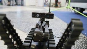 Manipulantes de trabajo a obrar recíprocamente - robot para las explosiones descubrimiento y búsqueda en el teledirigido metrajes