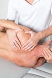 Manipulation d'épaule photos libres de droits