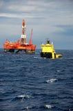 Manipulation de point d'attache semi de submergible en Mer du Nord Photographie stock