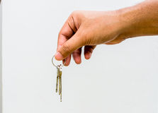 Manipulation des clés d'une maison ou d'un revendeur Photographie stock