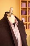 Maniquí en almacén de ropa foto de archivo