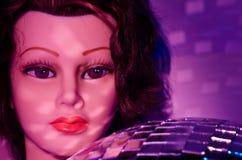 Maniquí y bola de discoteca femeninos 1 Imagen de archivo libre de regalías