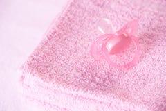 Maniquí y toallas Imagenes de archivo