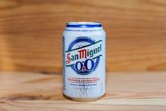 MANISES, VALENCIA/SPAIN - 27 GENNAIO 2019: Latta di San Miguel 0 0 birre senza alcool fotografia stock libera da diritti