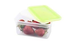 Maniveau de fraises d'isolement sur le fond blanc Photos stock