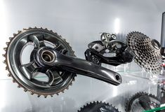 Manivela de la bicicleta y casete posterior Imagenes de archivo