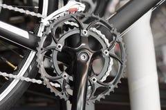 Manivela delantera para la bicicleta del camino Foto de archivo libre de regalías
