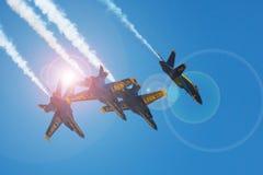Mankato,在F-18飞行表演的Mn- 6月9日美国海军蓝色天使 免版税库存照片