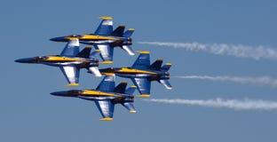 Mankato, Mn Czerwiec 9 USA marynarki wojennej Błękitni aniołowie w F-18 pokazie lotniczym Zdjęcia Stock