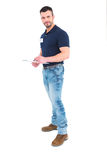 Manlig arbetsledarehandstil på skrivplattan Royaltyfria Bilder