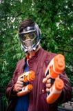 Manlig cosplayer poserar på den Yorkshire Cosplay regeln Arkivfoto