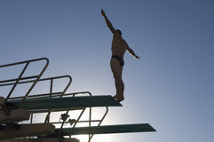 Manlig dykare About To Dive royaltyfri fotografi