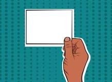 Manlig hand av afrikanska amerikanen som rymmer ett kort stock illustrationer