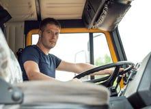 Manlig lastbilsförare royaltyfri bild