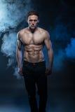 Manlig modell för kondition royaltyfria foton