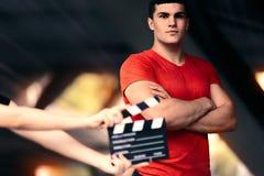 Manlig modell Ready For för kondition en fors arkivbild