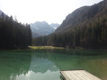 Manmade jezioro w Jezersko Zdjęcia Stock