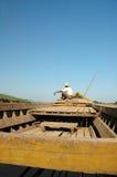 Mann auf Boot Lizenzfreies Stockbild